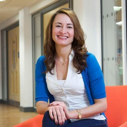 Dr Daria Kuss